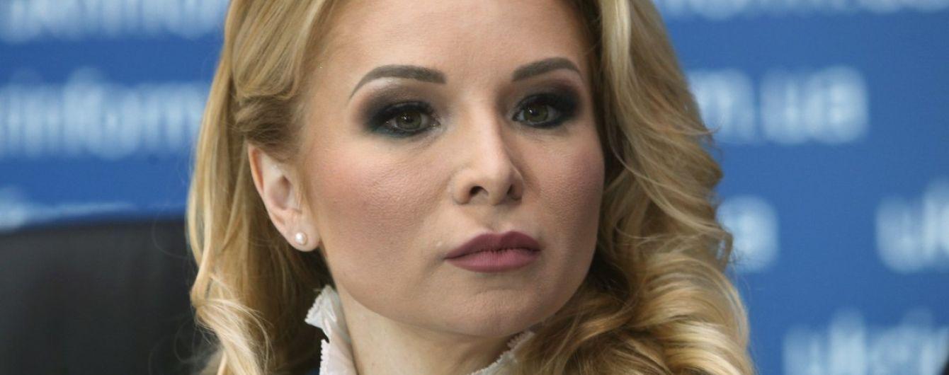 В деле взятки работнице Офиса президента суд арестовал ее сообщницу-экс-заместительницу министра