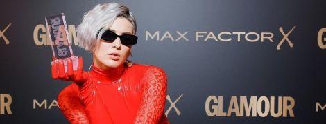 """MARUV у червоному латексному боді отримала російську премію як """"Співачка року"""""""
