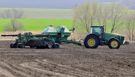 Як продаватимуть землю в Україні: відповіді на головні запитання про відкриття ринку землі