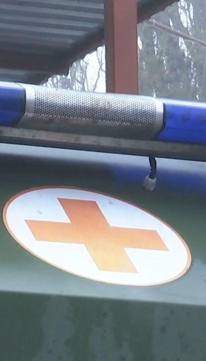 Стан двох поранених військових в зоні ООС вдалось стабілізувати, але він залишається тяжким
