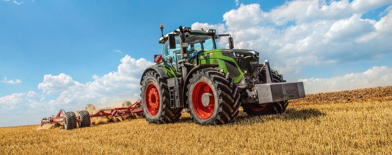"""У Німеччині вибрали """"Машини року-2020"""" серед тракторів і комбайнів"""