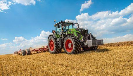 """В Германии выбрали """"Машины года-2020"""" среди тракторов и комбайнов"""