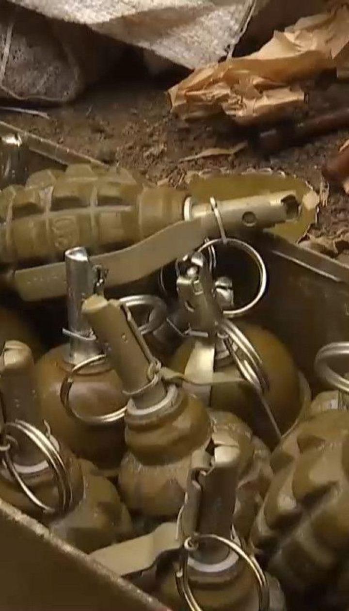 Двух тяжелораненых вследствие взрыва бойцов доставили самолетом в госпиталь в Харькове