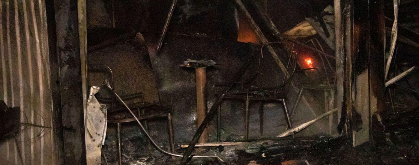 В Киеве неизвестные сожгли три фермерских магазина