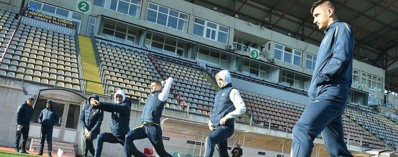 Походили полем. Гравці збірної України провели незвичайну прогулянку у Запоріжжі