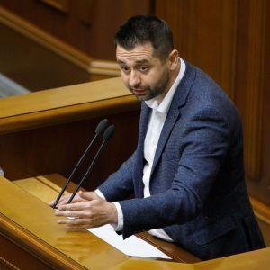 """""""Он должен сдать мандат"""": Арахамия анонсировал изгнание Иванисова из """"слуг народа"""""""