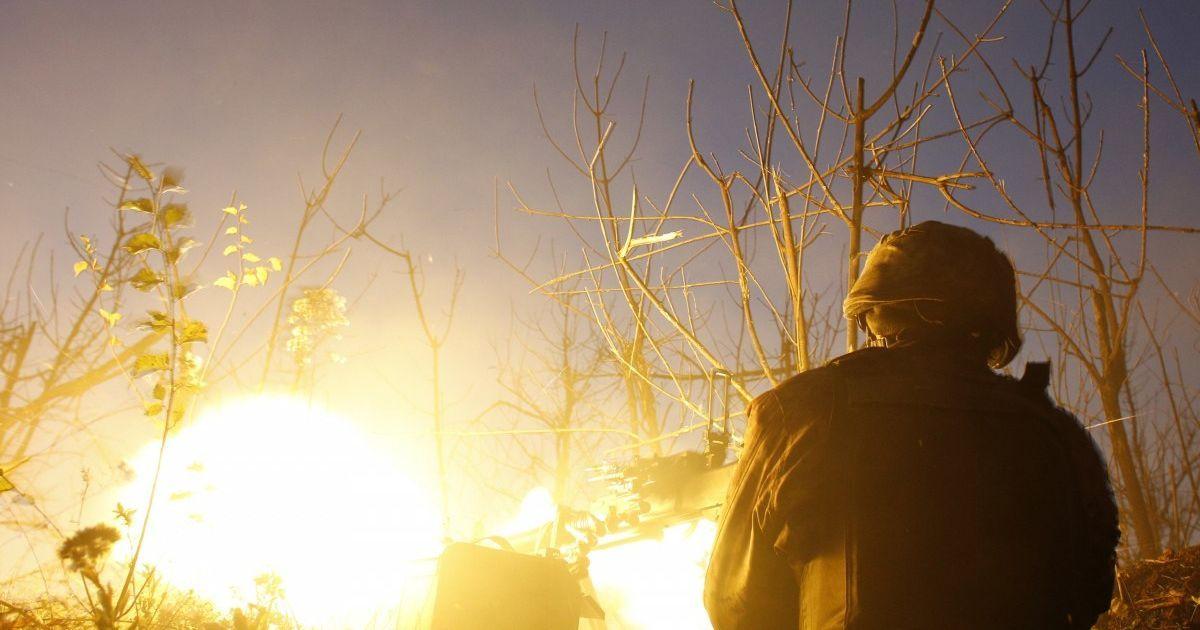 Террористы стреляли из запрещенного оружия, боец ООС ранен - штаб
