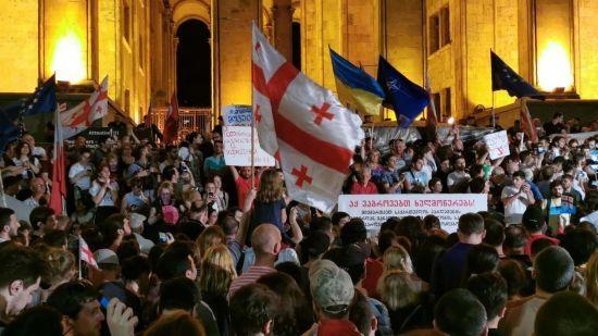 В Тбилиси разогнали митинг оппозиции, есть задержанные