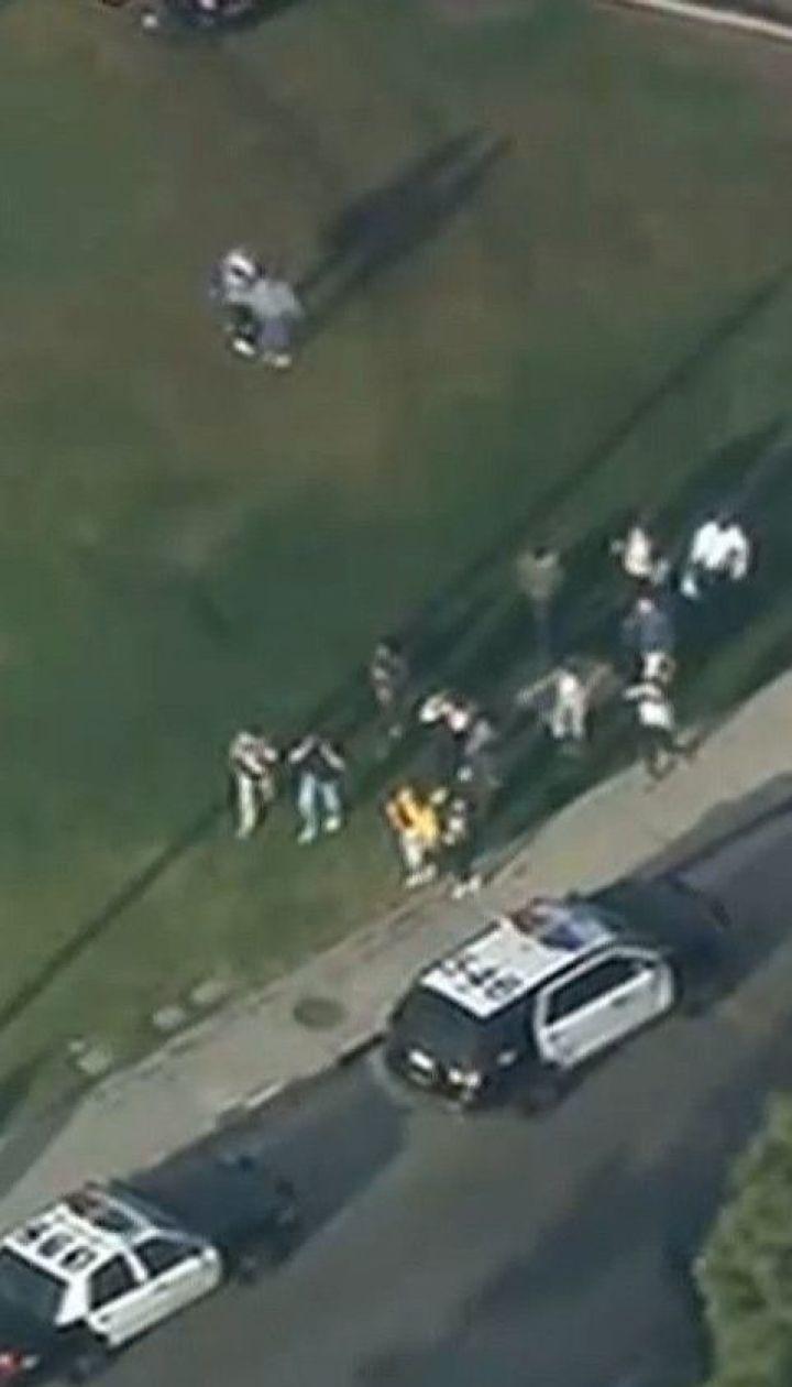 16-летний американец открыл стрельбу в школе Калифорнии: 2 подростка погибли