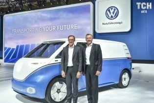 Volkswagen випустить на дороги Катару безпілотники ID Buzz