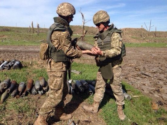 У Балаклії почалися вибухи на території військових складів