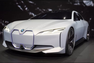BMW поразила запасом хода электрического седана