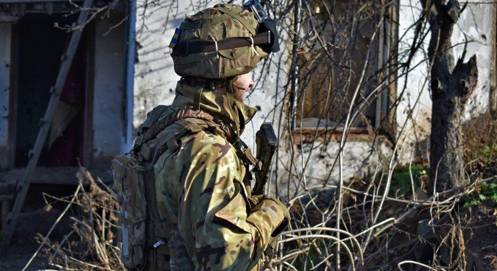 Ситуація на передовій на Донбасі: загинув один український боєць, ще четверо поранені