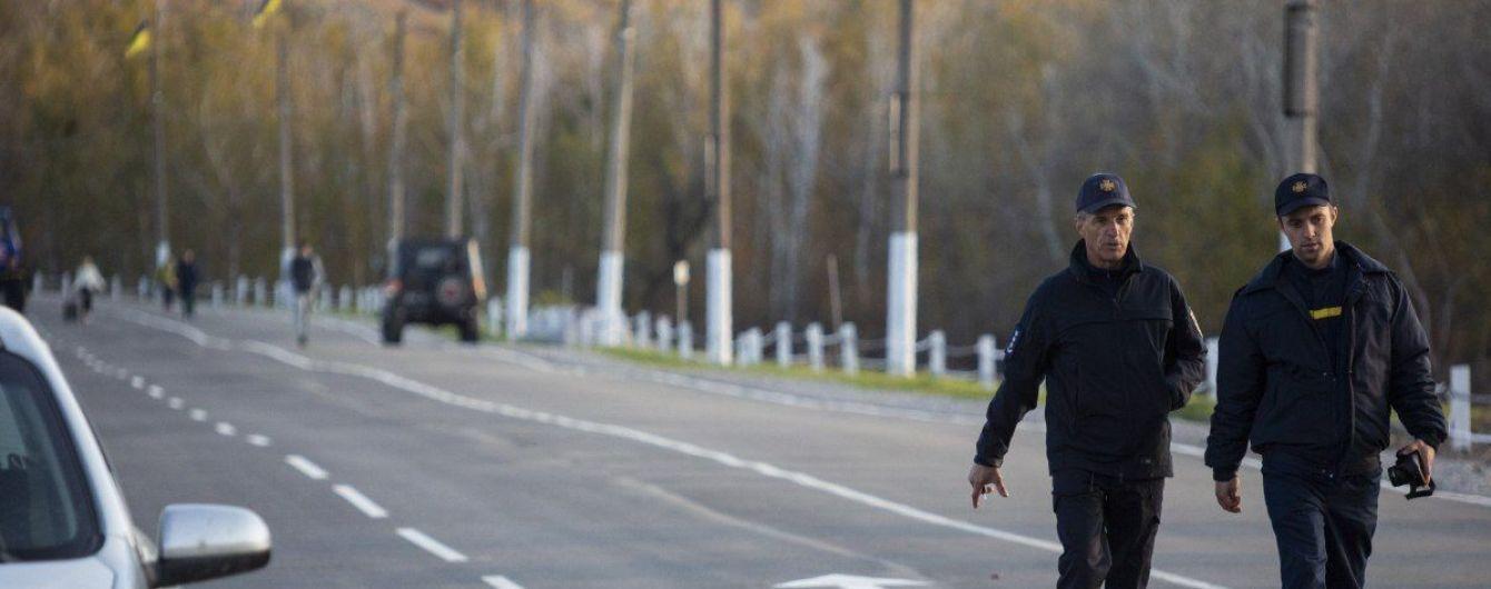 На КПВВ в Станице Луганской умер мужчина
