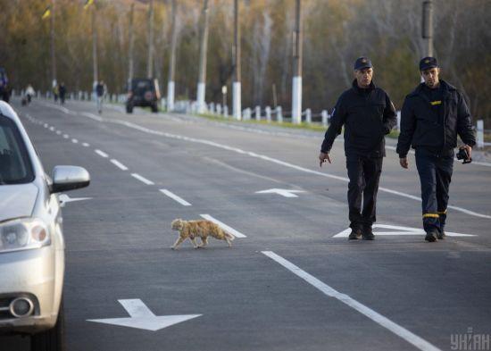 У Станиці Луганській помітили бойовиків у російській формі з невідомою символікою