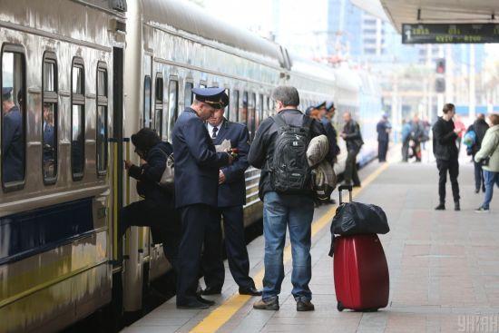 Кримінал на залізниці. Чому з поїздів зняли охорону і як злодії орудують у вагонах