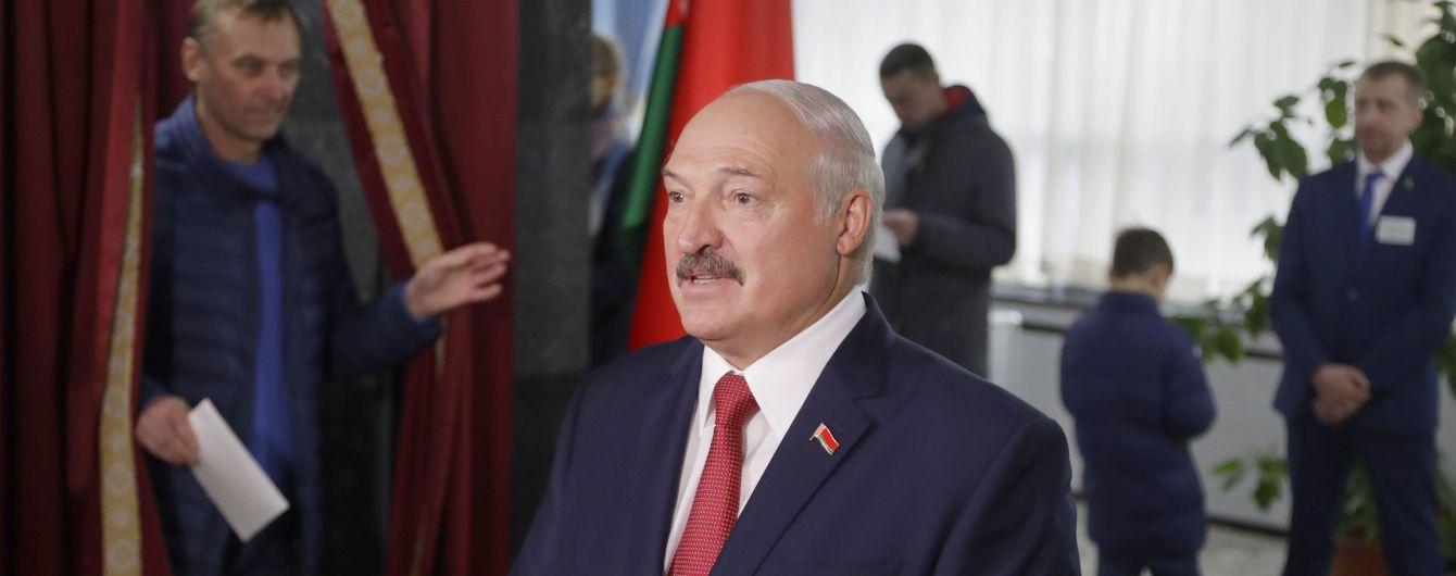 Вибори у Білорусі: спостерігачі фіксують сотні порушень на тлі високої явки