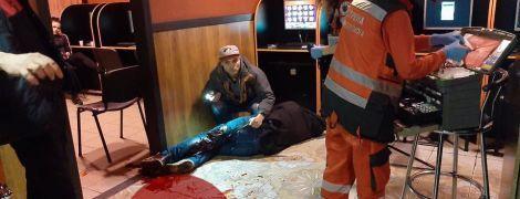 В Киеве в зале игровых автоматов зарезали мужчину