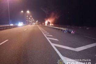 На Киевщине произошла масштабная авария с автомобилями полиции и пожарных
