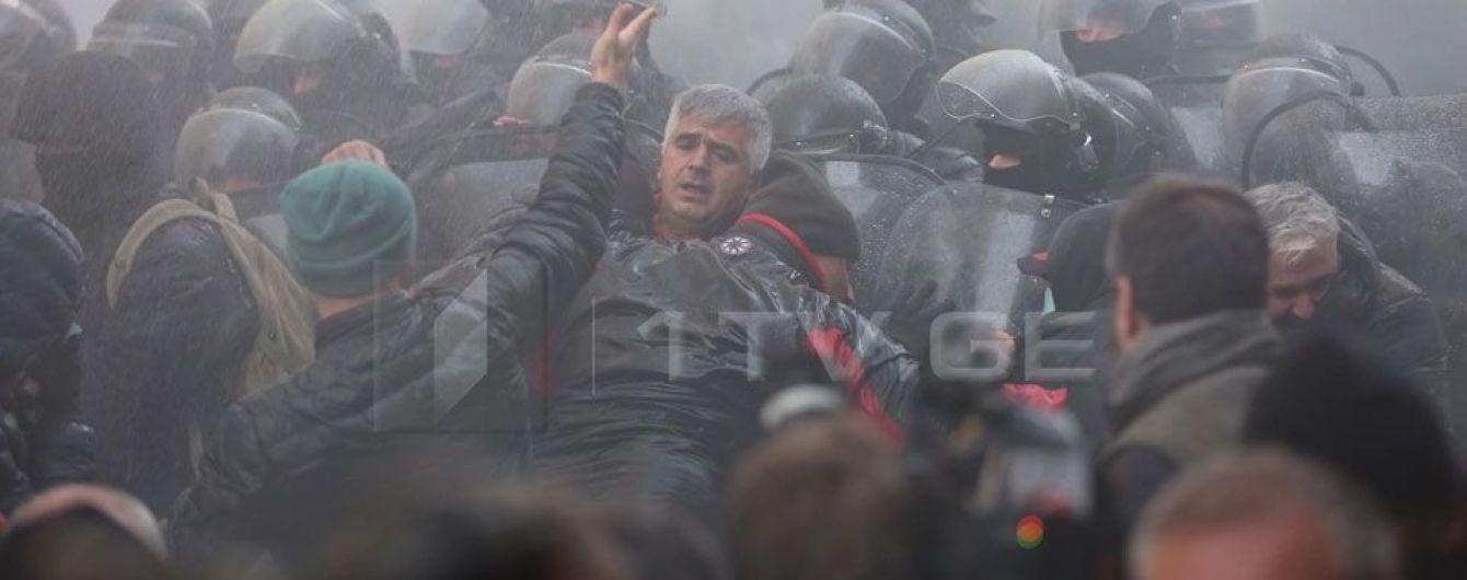 У Тбілісі спецназ розігнав учасників опозиційної акції