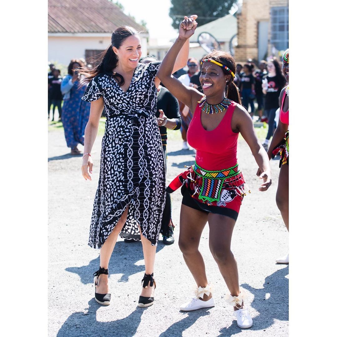 Меган танцює у Кейптауні
