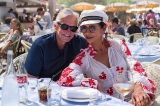 Майкл Дуглас та Кетрін Зета-Джонс відcвяткували 19 річницю весілля