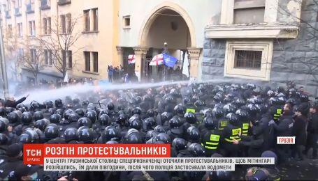 """Протесты в Грузии: оппозиция назвала попытку разгона """"путинизмом"""""""