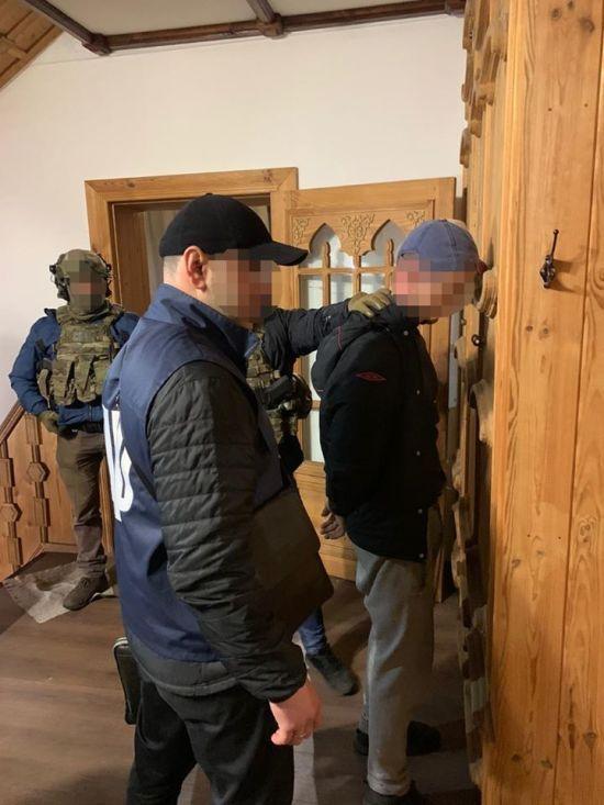 На Донеччині на хабарі у 50 тисяч гривень затримали двох поліцейських