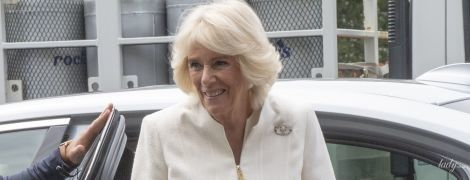 В светлых оттенках: красивая герцогиня Корнуольская посетила еще одно мероприятие в туре