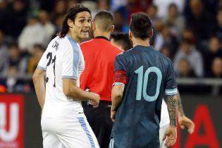 Месси и Кавани повздорили во время товарищеского матча, едва не дошло до драки