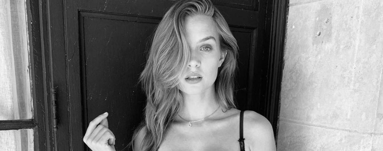 """Блеснула формами в нижнем белье: """"ангел"""" Жозефин Скривер поделилась откровенным снимком"""