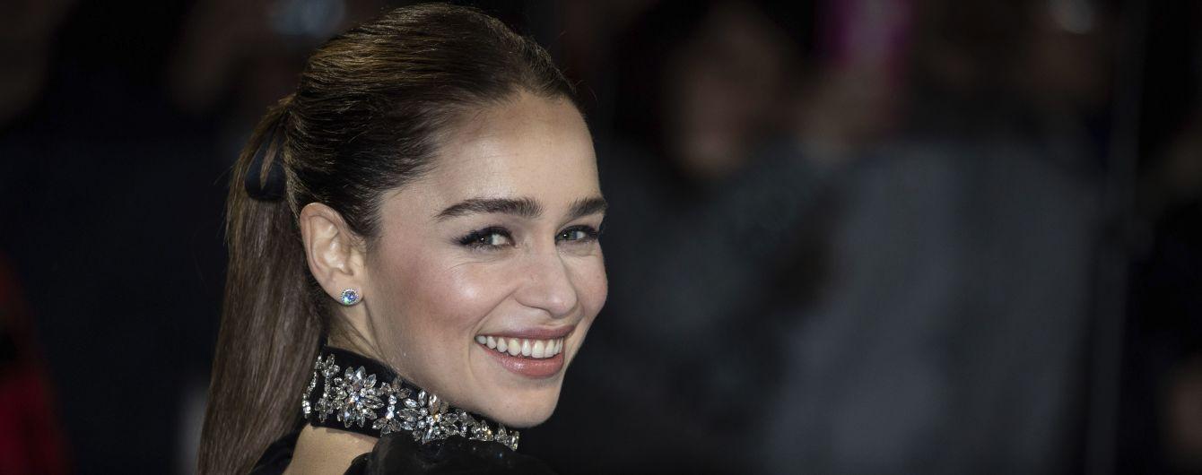 """Звезда """"Игры престолов"""" Эмилия Кларк призналась, что ее принуждали к съемкам обнаженной"""