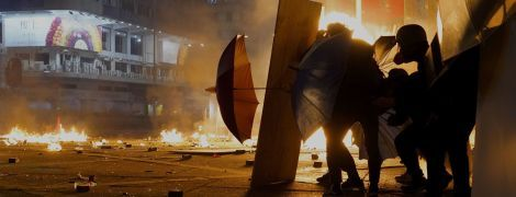 Осада университета в Гонконге: около 100 студентов держат оборону