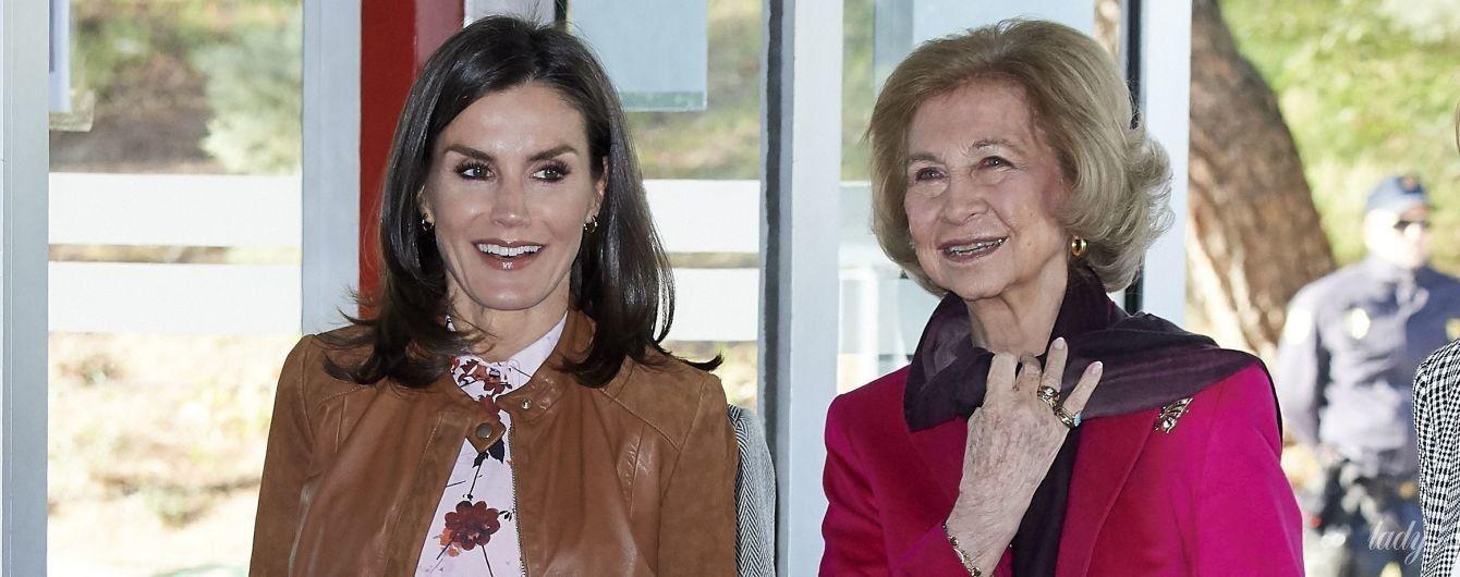 Одна ярче другой: испанские королевы София и Летиция на мероприятии в Мадриде