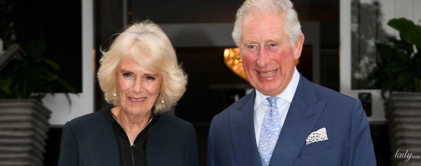 Какой роскошный образ: герцогиня Камилла и принц Чарльз на торжественном приеме в Новой Зеландии
