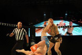 Французький боєць нокаутував ветерана UFC карколомним ударом