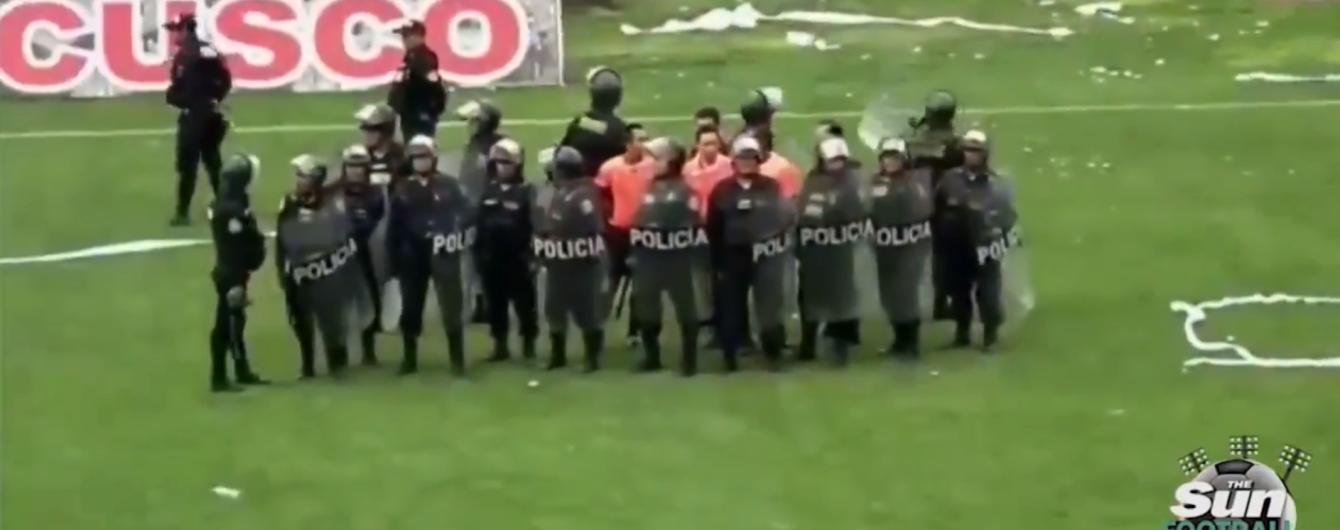 После футбольного матча в Перу было совершено массовое нападение на судью