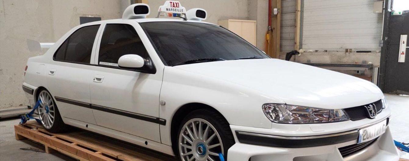 На Столичном шоссе в Киеве авто разогналось до 222 км/ч
