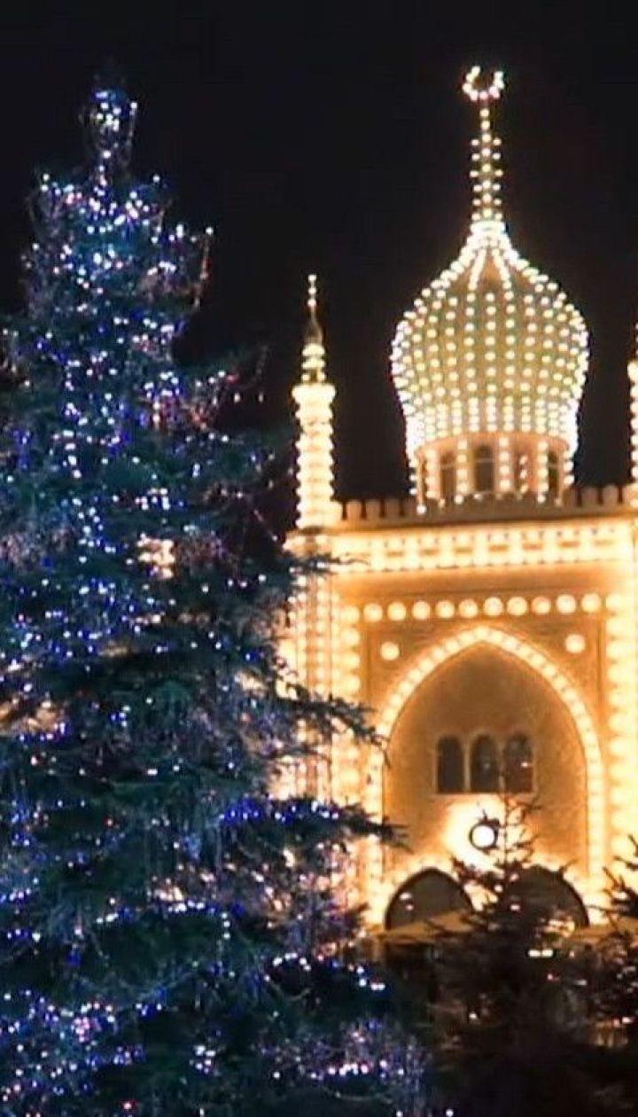 Елка в кристаллах и Санта на острове: мир стремительно окутывает рождественским настроением