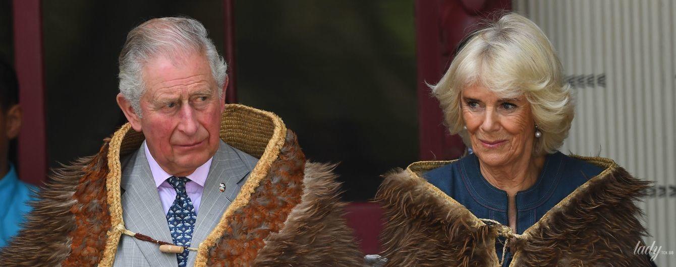 В синем платье и меховой шкуре: герцогиня Корнуольская примерила новый лук