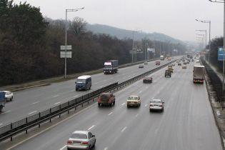 За сутки 70% водителей превысил скорость на шоссе в Киеве. Статистика