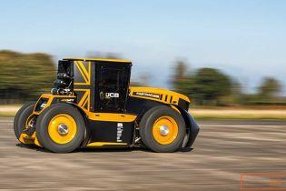 Британець встановив новий світовий рекорд швидкості на тракторі. Відео