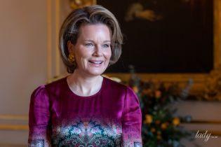 В фиолетовых оттенках: королева Матильда подобрала идеальный лук для торжественного приема