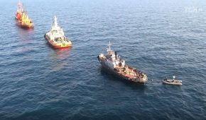 """Українські кораблі """"Нікополь"""", """"Бердянськ"""" та """"Яни Капу"""" прибувають до порту Очакова"""