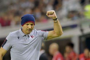 Известного футбольного тренера выписали из больницы после химиотерапии