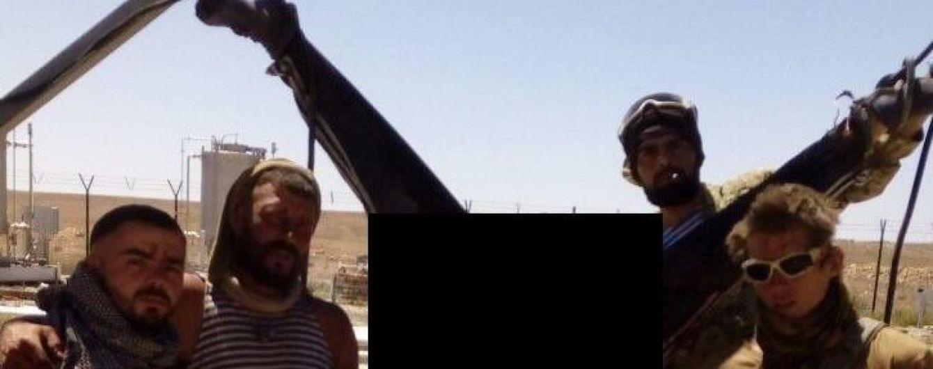 ЗМІ знайшли учасника жорстокого вбивства у Сирії. Він займається патріотичним вихованням дітей у РФ