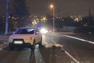 В Николаеве пешеход погиб под колесами сразу двух автомобилей