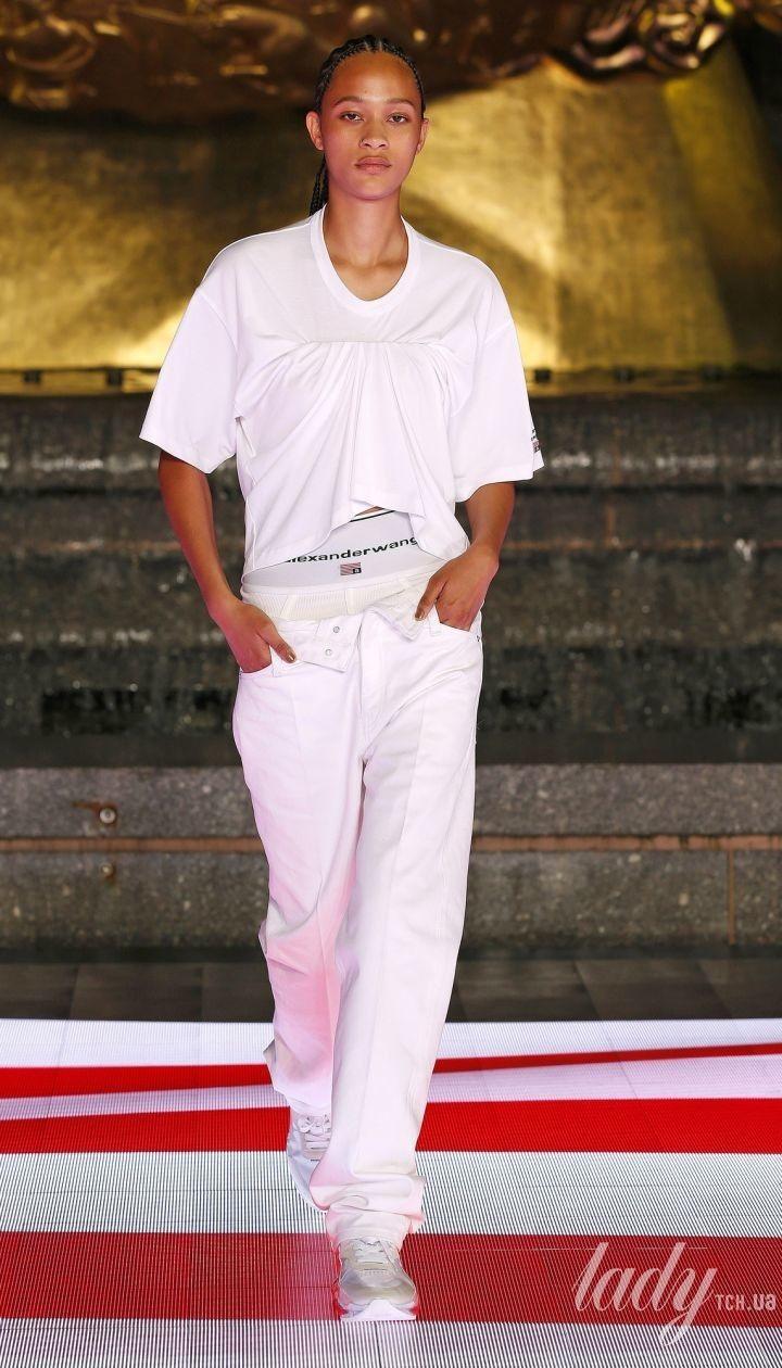 Коллекция Alexander Wang прет-а-порте сезона весна-лето 2020 @ East News