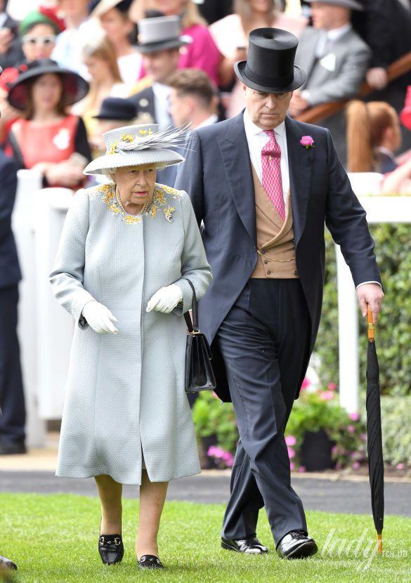 Королева Елизавета II и принц Эндрю