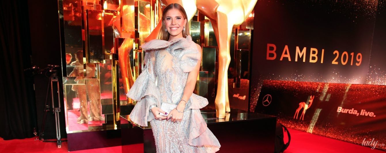 В платье с россыпью кристаллов: наследница империи Swarovski - Виктория Сваровски - на светской церемонии